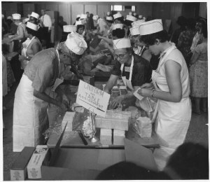 Food service crew workers. Credit: National Archives